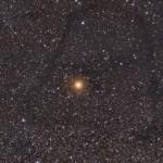 Зоряне поле та темні туманності навколо Бетельгейзе